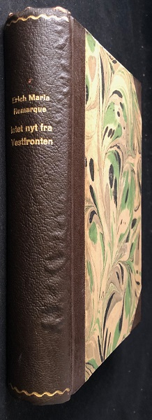 Intet Nyt Fra Vestfronten (FIRST DANISH EDITION OF ALL QUIET ON THE WESTERN FRONT). Erich Maria REMARQUE.