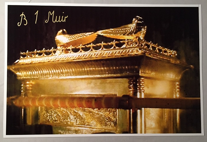 Glossy Oversized photograph of the Ark of the Covenant from Raiders of the Lost Ark; SIGNED BY SCULPTOR BRIAN MUIR! Autographs, Brian MUIR.