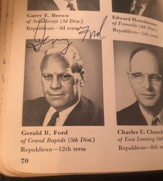 1971 Official Congressional Pictorial Directory SIGNED BY 35 MEMBERS OF CONGRESS; Autographs include Gerald Ford and Shirley Chisholm